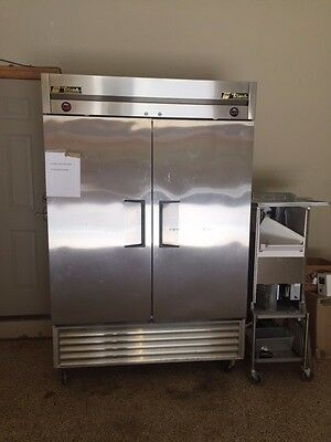 Refrigerator / Freezer Combination, True T-49DT Two Section Dual Temp Reach In