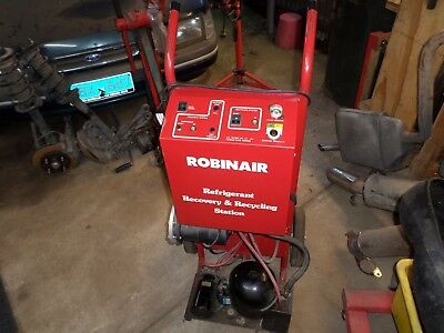 Robinair refrigerant recovery & recycling station