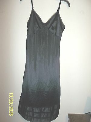 Womens Full Slip Sz 34 Black By Sears Great Condition  Great Look
