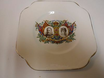 Vale China Small Silver Jubilee Plate, George V and Mary, 1935