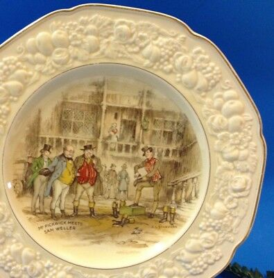 Crown Ducal Florentine - Mr Pickwick Meets Sam Weller - 26.5cm Plate - Series