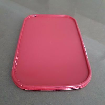 Tupperware Rectangular Seal Cranberry