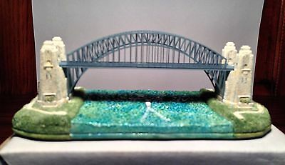 Lilliput Lane Sydney Harbour Bridge Limited Edition with Box and Deeds