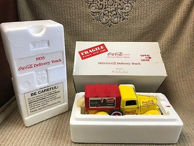 1935 COCA-COLA DELIVERY TRUCK BY THE DANBURY MINT NEW IN BOX Free Shipping!!