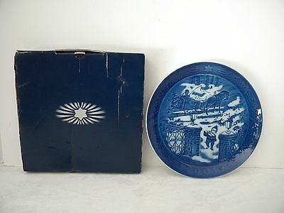 Royal Copenhagen 2003 Christmas Plate Julegaven Seasons Greetings Original Box