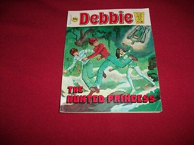 EARLY DEBBIE  PICTURE STORY LIBRARY BOOK  from the 1970's - never been read