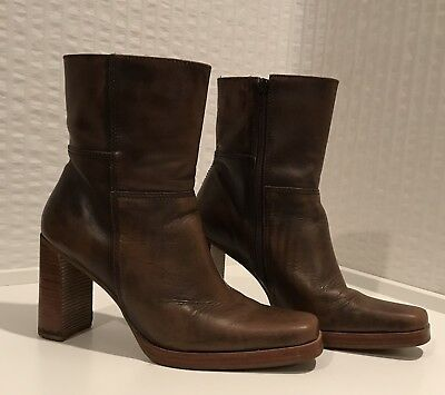 Candie's Brown Leather Chunky High Heel Ankle Boots 8 1/2