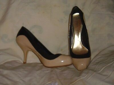 Size 6 new ladies heeled shoes in beige and black with concealed platform BNWT