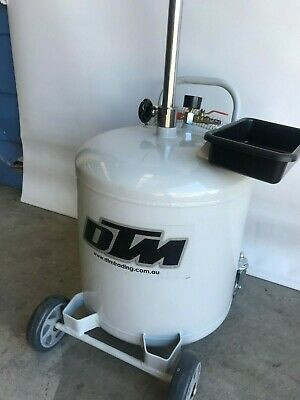 Oil drainer, 40 Litre, solid steel, air to empty   @ DTM Trading (K40)