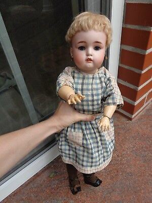 Antike Puppe Porzellankopfpuppe alt bekleidet lovely antique doll