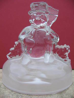 BONHOMME DE NEIGE en cristal,16 cm.Figurine collection.