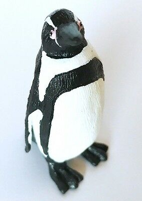 Safari Ltd. Wild Safari HUMBOLDT PENGUIN 1997 Animal Figure Figurine 276229