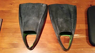 Pod bodyboarding flippers - great condition (size 11/12)