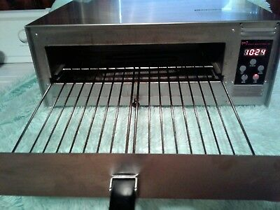 """Wisco Industries Commercial Pizza Oven With Digital Controls 425C 12"""""""