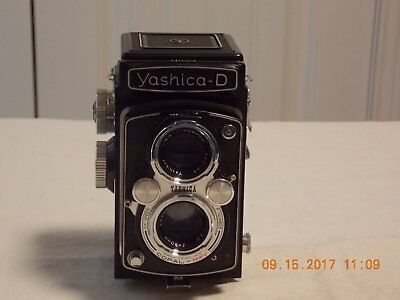 Vintage Yashica D Twin-lens Reflex Film Camera with Case