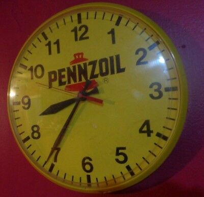 PENNZOIL  -  inch Quartz - Wall Clock - battery operated tested works
