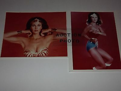 WONDER WOMAN Color Photo Lot LYNDA CARTER in Costume PORTRAITS w red background