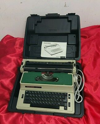 Silver Reed Electronic Typewriter with case collectors vintage