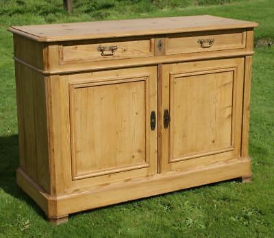 AN IMPOSING  MID./ LATE 19th CENTURY ANTIQUE FRENCH PINE BUFFET / SIDEBOARD