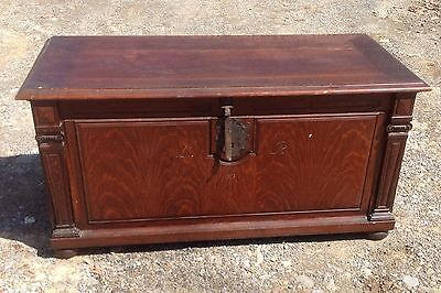 c. 1913 RARE OAK BLANKET CHEST WITH DRAWERS