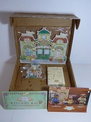 Cherished Teddies Lloyd CT103 Charter Members Only 1997 Gift Set With Lapel Pin