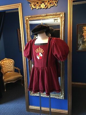 Fantastic Men's Theatrical Style Tudor Period Guard Doublet With Period  Hat