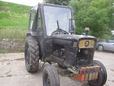 David Brown 990 With pallet forks