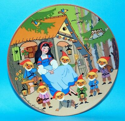 Poole pottery plate  ' Snow white '  #151  1st Quality  (7608)