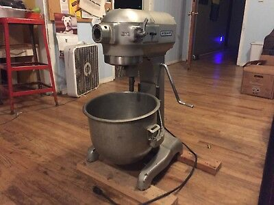 Hobart A-200 Commercial Dough Mixer 20 QT, 115V, 8.2A, 1/3 HP + ATTACHMENTS