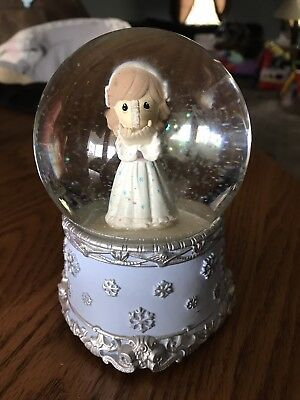 """Precious Moments Wind Up Musical Snow Globe plays """"Joy to the World"""""""