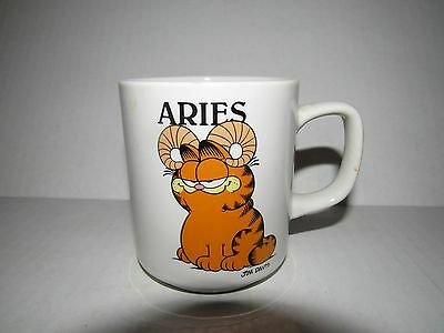 Vintage 1978 Enesco Garfield Aries Zodiac Mug Coffee Tea Never Used