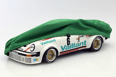 Cover Green for Model Cars on a Scale of 1:18