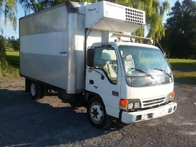 2001 GMC (Isuzu ) Turbo-Diesel Reefer Box Truck super low miles