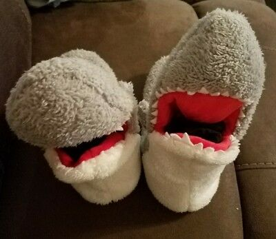Kids Shark slippers Sz XL 4-5
