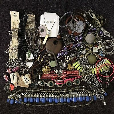 Bulk 1kg Junk Scrap Jewellery Gold Tone Silver Tone Mixed Bundle  8A Craft Lot