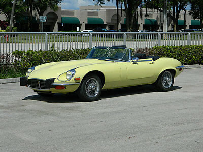 1974 Jaguar XKE  1974 JAGUAR XKE V-12 PALE PRIMROSE BLACK A/C AUTO WIRE WHEELS REBUILT CARBS