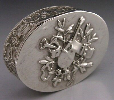 BEAUTIFUL FRENCH SILVER CLASSICALLY DESIGNED SNUFF / PILL BOX ANTIQUE c1900