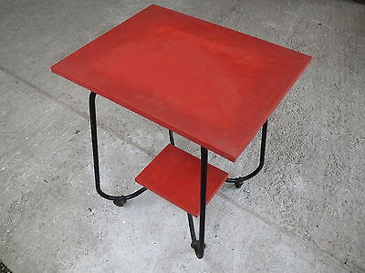 Pedestal table coffee table or serving vintage years 1950 retro on wheels