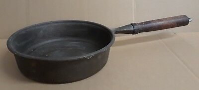 """Vintage 8"""" Cast Iron Skillet/Fry Pan 2lbs W/Wooden Handle"""