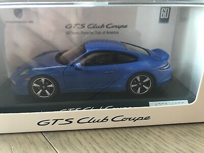 Porsche 911 GTS Club Coupe, Model Car 1:43, limited edition