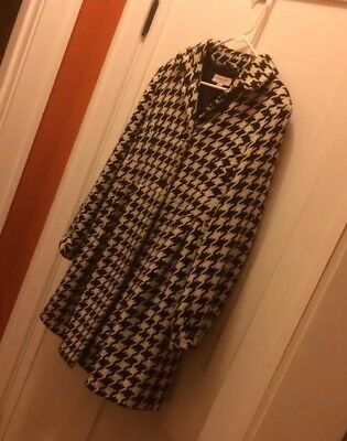 Liz lange Maternity Small Houndstooth Winter Coat