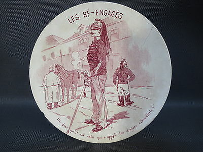Antique small plate earthenware carrying military the re-engaged Sarreguemines