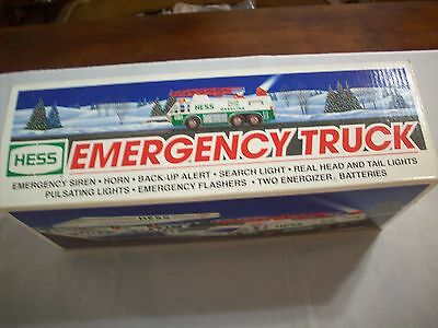 Hess Diecast Toy/Vehicle: Hess 1996 Emergency Truck  (New In Box) (469)