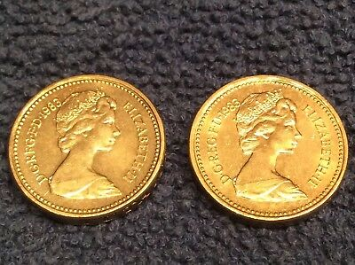 A Pair of Vintage 1983 Great Britain One Pound Coins ---FREE SHIPPING---