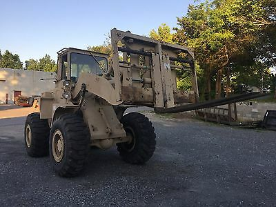 1983 International M10A Military Rough Terrain Forklift
