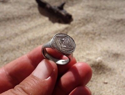 ancient Medieval - Crusade solid silver beautiful carved ring displayed lily