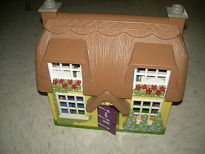 Step 2 Dollhouse Cottage Main Street Village Step 2 Doll House & 10  Figures +