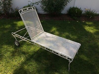 Russell Woodard Chaise Lounge