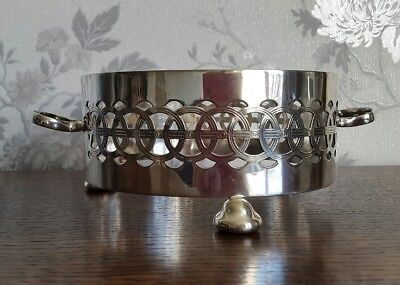 A Vintage Silver Plated Dish Holder by Yeoman Plate