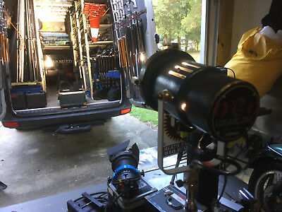 LTM 200w fresnel kit complete with case, similar to arri/mole